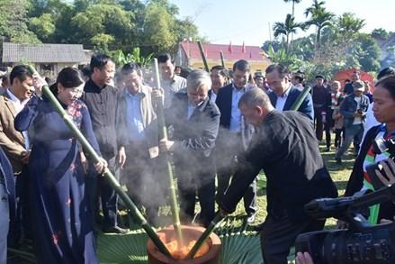 Thái Nguyên: Rộn ràng ngày hội đại đoàn kết xóm Nạ Tẩm, huyện Định Hóa