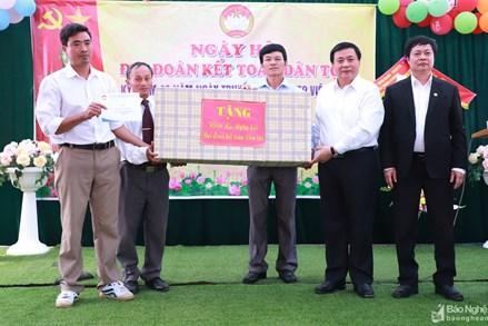 Bí thư Trung ương Đảng Nguyễn Xuân Thắng dự Ngày hội Đại đoàn kết tại Thanh Chương, Nghệ An