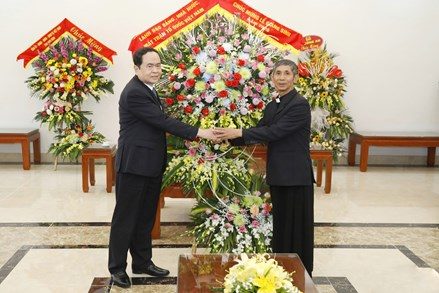 Chủ tịch Trần Thanh Mẫn chúc mừng giáng sinh tại Tòa Giám mục Giáo phận Phát Diệm