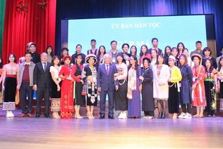 Ủy ban Dân tộc gặp mặt học sinh, sinh viên, thanh niên dân tộc thiểu số xuất sắc