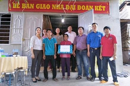 Bình Thuận: Bàn giao nhà Đại đoàn kết, cho hộ nghèo dân tộc thiểu số