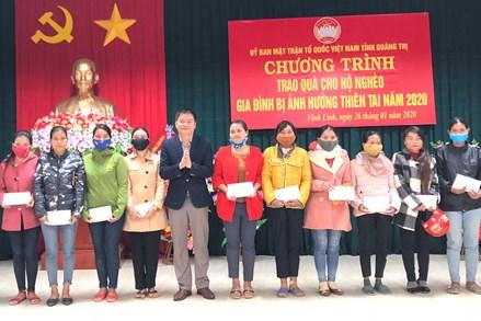 Ủy ban MTTQ Việt Nam tỉnh Quảng Trị trao quà Tết cho gia đình gặp khó khăn