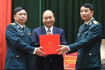 Thủ tướng thăm, làm việc với Sư đoàn Phòng không Hà Nội