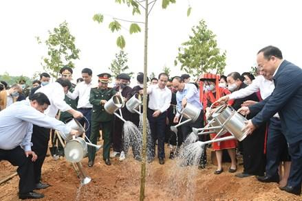 Thủ tướng Nguyễn Xuân Phúc: Trồng cây xanh để thúc đẩy quốc kế dân sinh