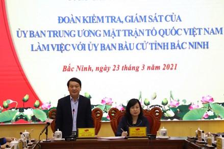 Phó Chủ tịch - Tổng Thư ký Hầu A Lềnh kiểm tra, giám sát công tác bầu cử tại tỉnh Bắc Ninh