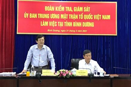 Phó Chủ tịch Nguyễn Hữu Dũng kiểm tra, giám sát công tác chuẩn bị bầu cử tại Bình Dương