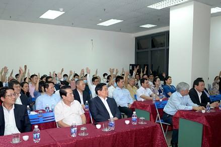 Cử tri Tổ dân phố số 10 phường Xuân Tảo biểu quyết thông qua danh sách người ứng cử ĐBQH khóa XV