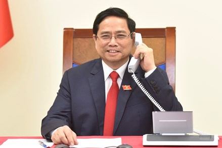 Thủ tướng Chính phủ Phạm Minh Chính điện đàm với Thủ tướng Campuchia