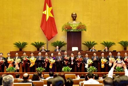 Quốc hội phê chuẩn việc bổ nhiệm 2 Phó Thủ tướng và 12 thành viên Chính phủ
