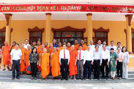 Phó Chủ tịch Thường trực Quốc hội, Chủ tịch UBTƯ MTTQ Việt Nam Trần Thanh Mẫn thăm và chúc Tết Chôl Chnăm Thmây