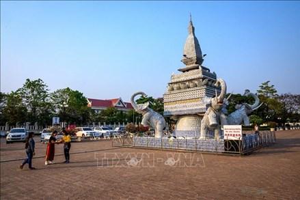 Đại sứ quán Việt Nam tại Lào khuyến cáo công dân phòng chống COVID-19