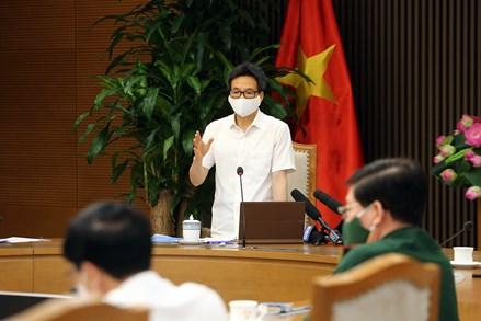 Phó Thủ tướng Vũ Đức Đam: 'Không để dịch bệnh lây lan trong các khu công nghiệp'