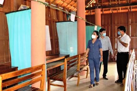 Mặt trận Bình Định kiểm tra việc triển khai công tác bầu cử trên địa bàn huyện Phù Cát và Vĩnh Thạnh