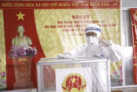 Không khí chuẩn bị cho ngày bầu cử ở nơi cách ly phòng dịch Bệnh viện K