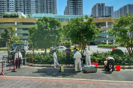 Hà Nội thêm 10 ca nhiễm mới, phong tỏa thêm một khu dân cư ở Gia Lâm (Hà Nội)