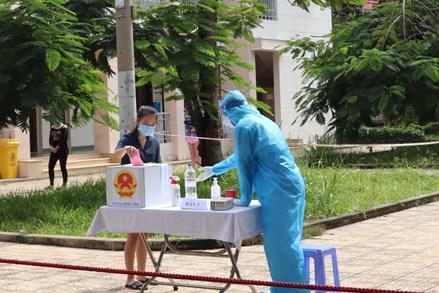 Cuộc bầu cử đáng nhớ của cử tri điểm phong tỏa, cách ly TP Hồ Chí Minh