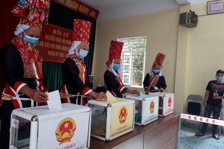 Quảng Ninh hoàn thành bầu cử với tỷ lệ 99,95% cử tri đi bỏ phiếu