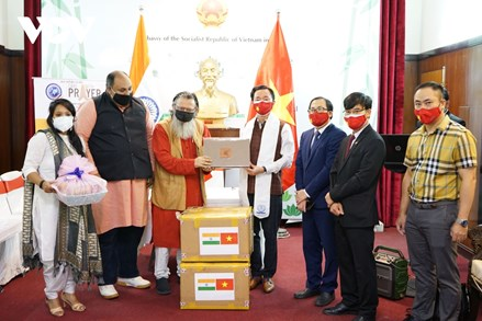 Phật tử Việt Nam hỗ trợ nhân dân Ấn Độ và Nepal chống đại dịch Covid-19