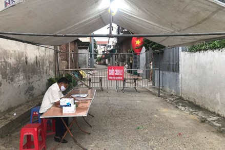 Hà Nội: Thêm 4 ca dương tính liên quan đến hai người bán rau tại chợ cửa hàng mới thị trấn Đông Anh