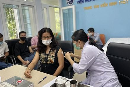 TP Hồ Chí Minh đẩy nhanh việc mua và tiêm vaccine COVID-19 cho người dân