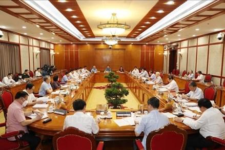 Bộ Chính trị yêu cầu 6 nhiệm vụ trọng tâm tăng cường phòng, chống dịch COVID-19