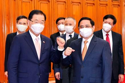 Thủ tướng Phạm Minh Chính đề nghị sớm đưa kim ngạch thương mại Việt Nam-Hàn Quốc lên 100 tỷ USD