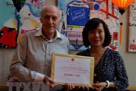 Người Việt và doanh nghiệp tại Thụy Sỹ đóng góp cho Quỹ vaccine Covid-19