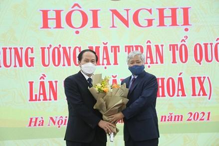 Phó Chủ tịch - Tổng thư ký Lê Tiến Châu: Nỗ lực hết mình, tập trung nghiên cứu, khiêm tốn học hỏi và sâu sát cơ sở