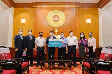 Hana Bank - BIDV ủng hộ Quỹ Vaccine phòng chống Covid-19