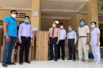 Tổng Hội thánh Tin lành Việt Nam (miền Nam) trao tặng máy Oxy cho bệnh viện điều trị bệnh nhân Covid-19