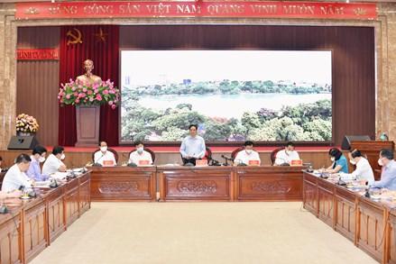 Thủ tướng Phạm Minh Chính: Hà Nội phải ưu tiên số 1 cho phòng chống dịch an toàn, hiệu quả