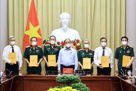 Chủ tịch nước Nguyễn Xuân Phúc: Không để gia đình chính sách đói cơm, lạt muối