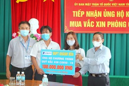 Ủy ban MTTQ Việt Nam tỉnh Khánh Hòa tiếp nhận gần 40 tỷ đồng ủng hộ Quỹ vaccine phòng Covid-19