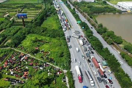 Phương tiện các tỉnh vào Hà Nội phải quay đầu, trừ xe 'luồng xanh'