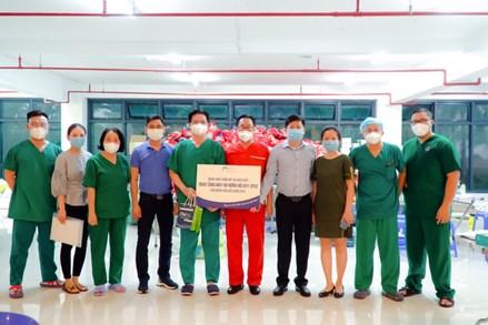 Mặt trận TP.Hồ Chí Minh: Tiếp nhận và phân phối trang thiết bị y tế từ 84 đơn vị ủng hộ phòng chống dịch