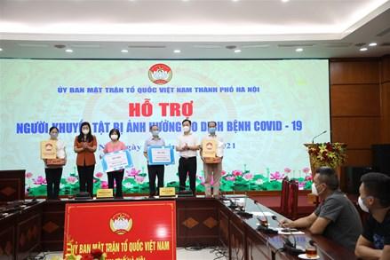 MTTQ Việt Nam Thành phố Hà Nội hỗ trợ 200 người khuyết tật bị ảnh hưởng bởi dịch Covid-19