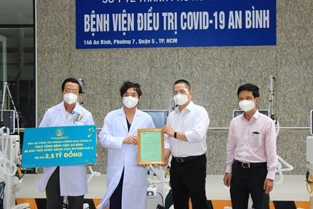 MTTQ thành phố Hồ Chí Minh bàn giao trang thiết bị y tế phục vụ công tác phòng, chống dịch