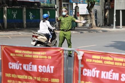 Hà Nội yêu cầu xuất trình giấy đi đường, CCCD, lịch làm việc, văn bản phân công nhiệm vụ khi ra đường