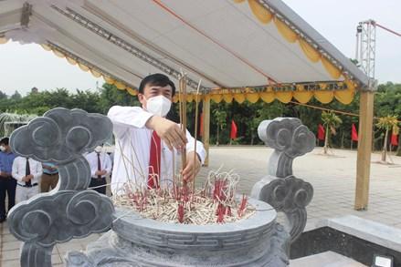 Ủy ban MTTQ tỉnh Bắc Ninh dâng hương tưởng niệm đồng chí Lê Quang Đạo