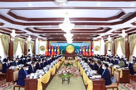Chủ tịch nước Nguyễn Xuân Phúc hội đàm với Tổng Bí thư, Chủ tịch nước Lào