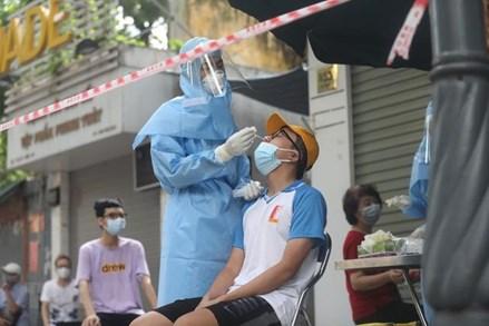 Ngày 15/8: Việt Nam công bố 9.580 ca dương tính mới; Cả tuần qua Hà Nội ghi nhận 419 ca nhiễm mới