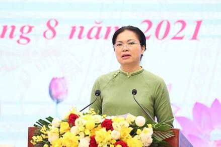 Xây dựng người phụ nữ Việt Nam, vun đắp giá trị gia đình trong thời kỳ mới