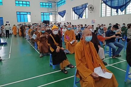 Quảng Nam: Tiêm vắc xin ngừa Covid-19 cho 93 vị chức sắc, chức việc các tôn giáo