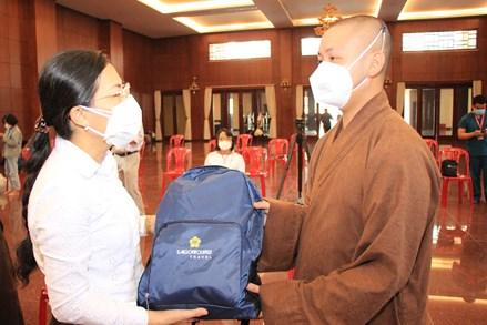 Thành phố Hồ Chí Minh: 115 tình nguyện viên tôn giáo đến hỗ trợ các bệnh viện dã chiến, bệnh viện điều trị Covid-19