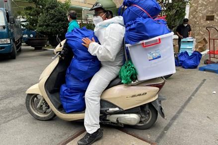 541 túi an sinh được gửi tới tận tay người dân thành phố Hồ Chí Minh thông qua tổng đài tiếp nhận thông tin