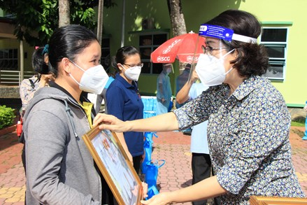 TPHCM đón 91 tình nguyện viên các tôn giáo kết thúc tham gia hỗ trợ các bệnh viện dã chiến