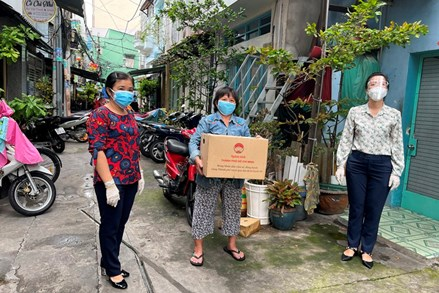 Thành phố Hồ Chí Minh: Túi an sinh xã hội 'tiếp sức' vượt qua mùa dịch