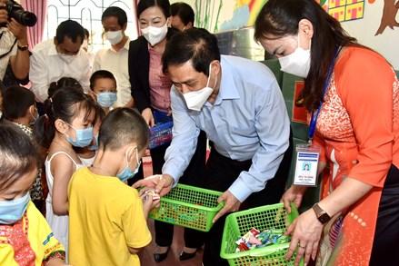 Thủ tướng chỉ thị triển khai giải pháp tổ chức dạy học an toàn, bảo đảm chất lượng giáo dục, đào tạo ứng phó với đại dịch COVID-19