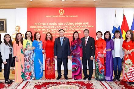 Cộng đồng người Việt Nam tại Phần Lan luôn hướng về Tổ quốc bằng những hành động thiết thực nhất