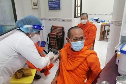 Trà Vinh: Trên 95 vị chức sắc tôn giáo trong TP.Trà Vinh tiêm mũi 1 vắc xin phòng Covid- 19